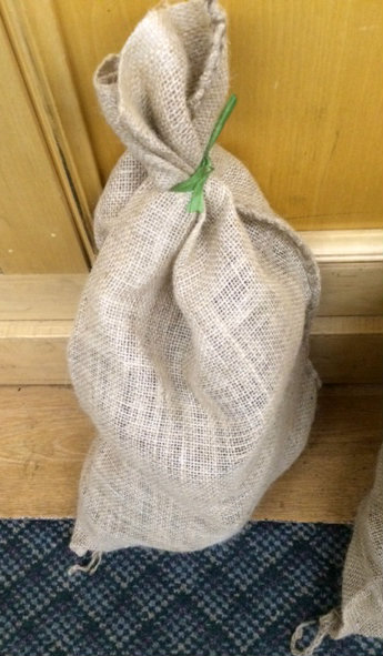 Irish Hand Cut Peat Turf - One Bag 5lb